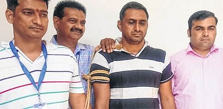 Indore: 41 crore excise scam, Mastermind's kin held in Gujarat brought to city