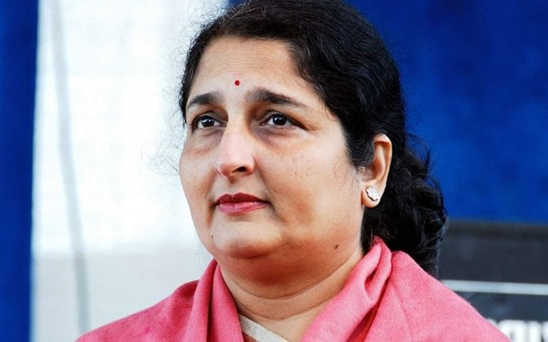 Mumbai: Singer Anuradha Paudwal files complaint against builders in Virar who sold one flat to several buyers