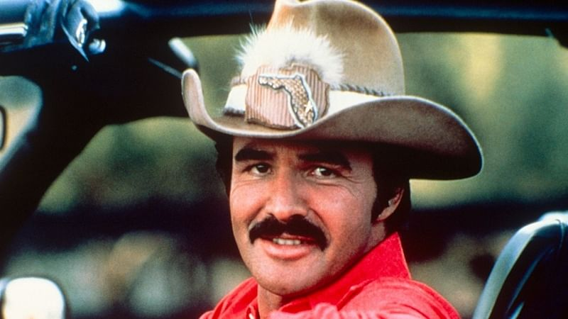 Facebook to post Burt Reynolds' nude picture again