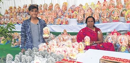 Indore: Ganesha idols on sale represent diverse Indian culture