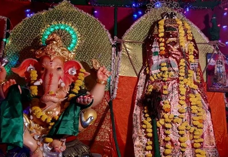 Maharashtra: Muharram sawari and Ganesh idol installed under one roof set example for brotherhood