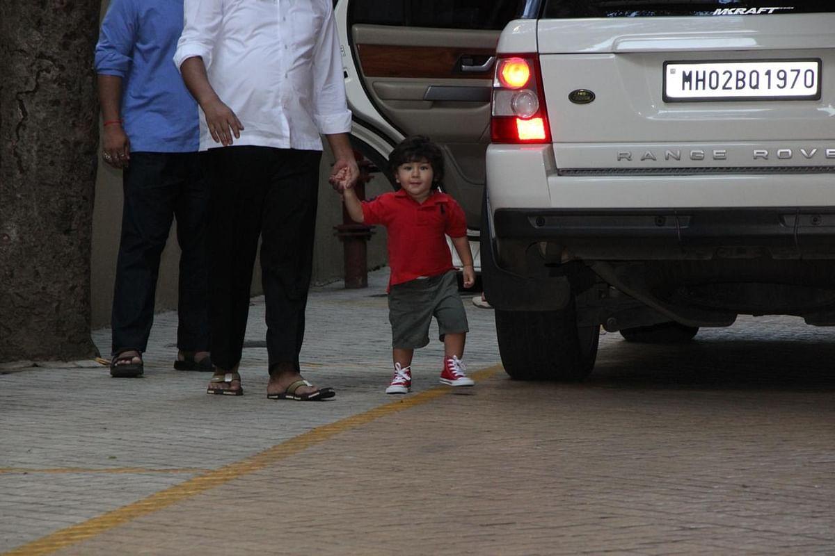 Snaparazzi! Sonam Kapoor to Kareena Kapoor Khan, Bollywood celebs spotted today; see pics