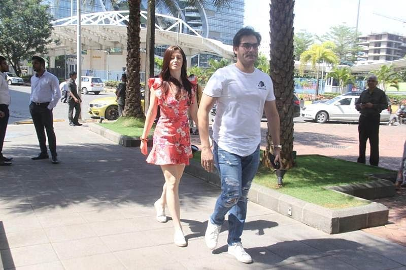 Snaparazzi! From Airport to lunch dates, theses Bollywood celebs were snapped today; check pics