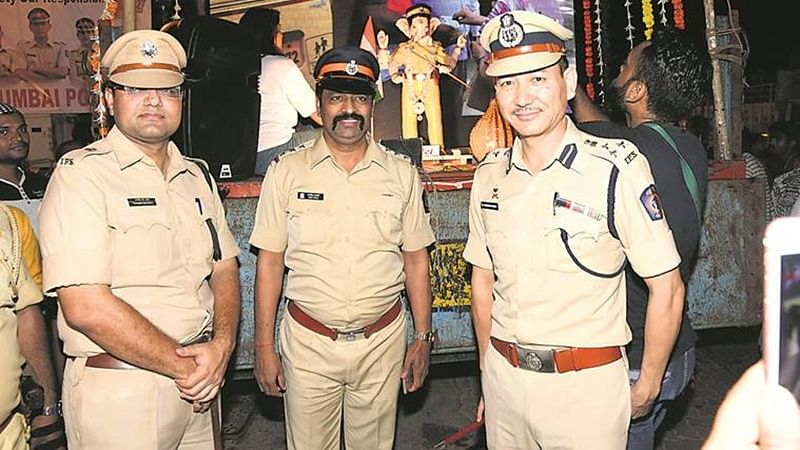 'A Cup of Smile' for cops on New Year's eve