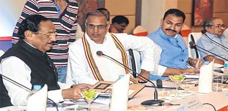 Indore: Only 3 out of 14 MPs attend meeting to improve railways