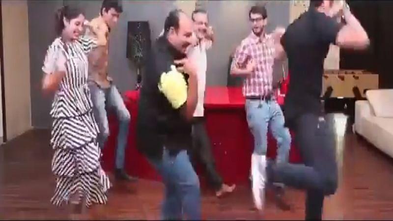 Watch! Dancing Uncle aka Sanjeev Shrivastava dances on Mitron's Kamariya song with Jackky Bhagnani and others