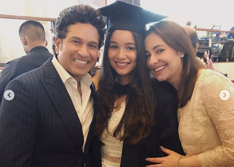 Sara Tendulkar celebrating graduation day with parents Sachin and Anjali is a picture-perfect moment