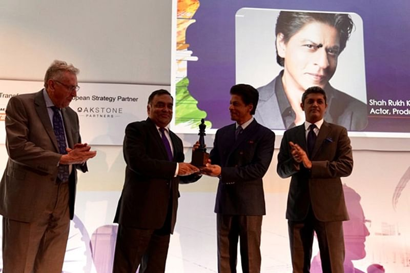 Bollywood superstar Shah Rukh Khan gets felicitated at India – UK Business summit in London