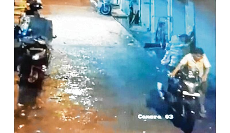 Mumbai: Mobile dealer who doubled up as bike thief lands in cop net