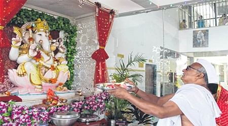 Ujjainites welcome Bappa with fanfare