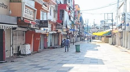 Bhopal: Rs 500 crore business hit as traders down shutters against FDI in retail