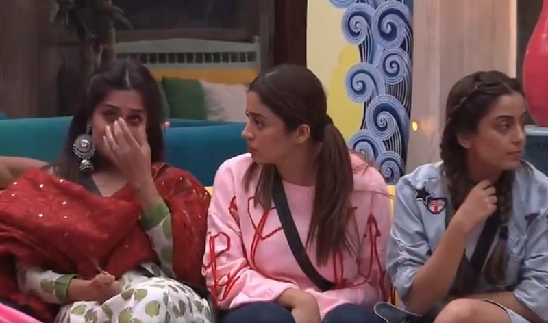 Bigg Boss 12: Roshmi swimming for Anup, Sreesanth allegedly abusing Shivashish and more action from Day 4