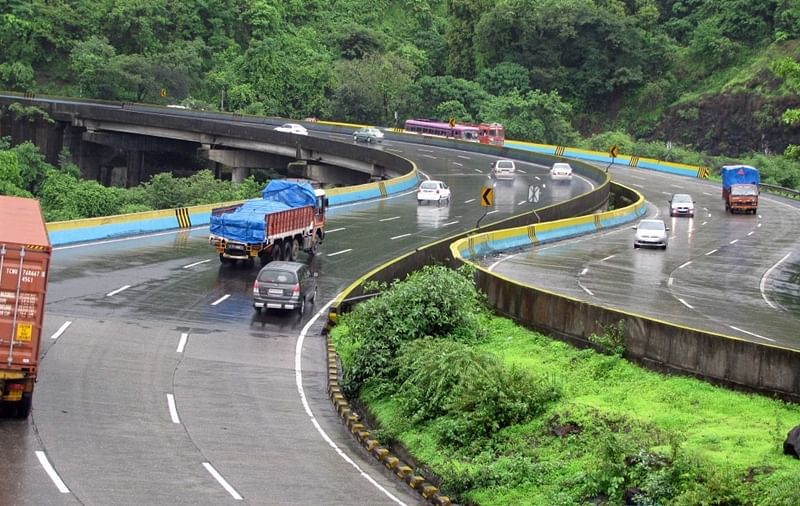 Motorists please note! Mumbai-Pune Expressway to remain shut from 12 pm to 2 pm today