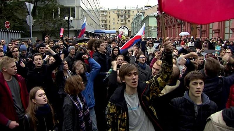 Russia: Police detains more than 800 people in protests