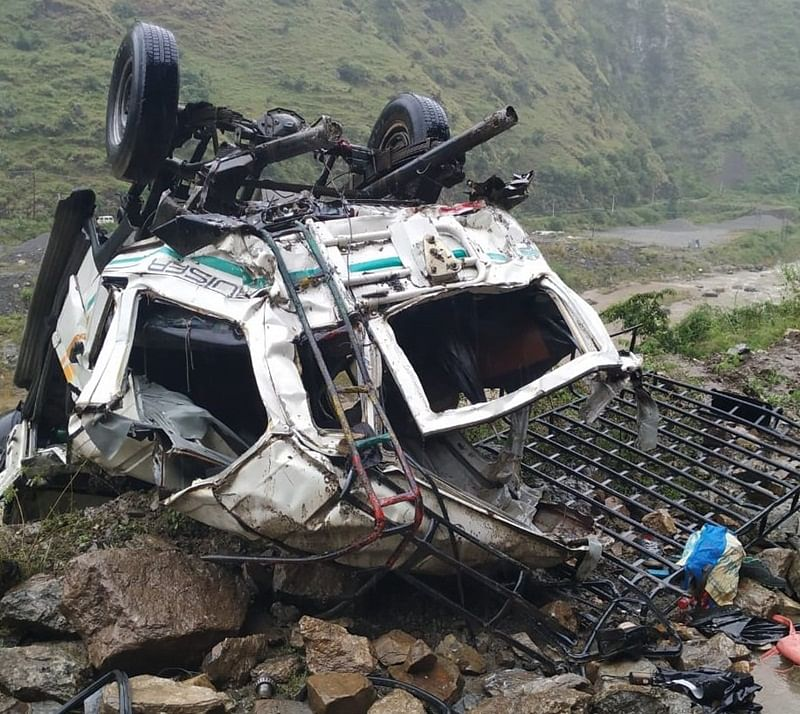 Himachal Pradesh: 10 people killed, 3 injured after jeep fell into a deep gorge in Shimla