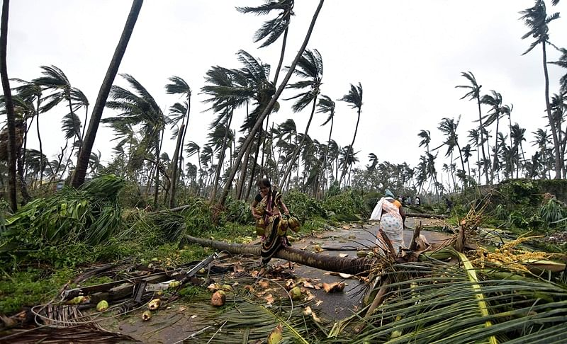 Cyclone Titli enters West Bengal, triggers incessant rainfall, claims four lives