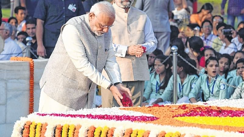 Nation pays tribute to Mahatma Gandhi