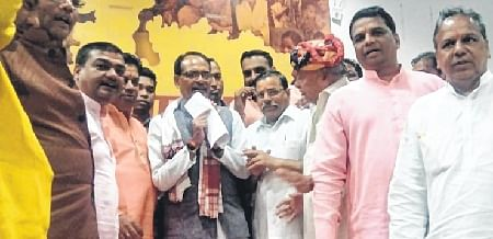 Ujjain: CM Shivraj Singh Chouhan accepts demands of priests of state