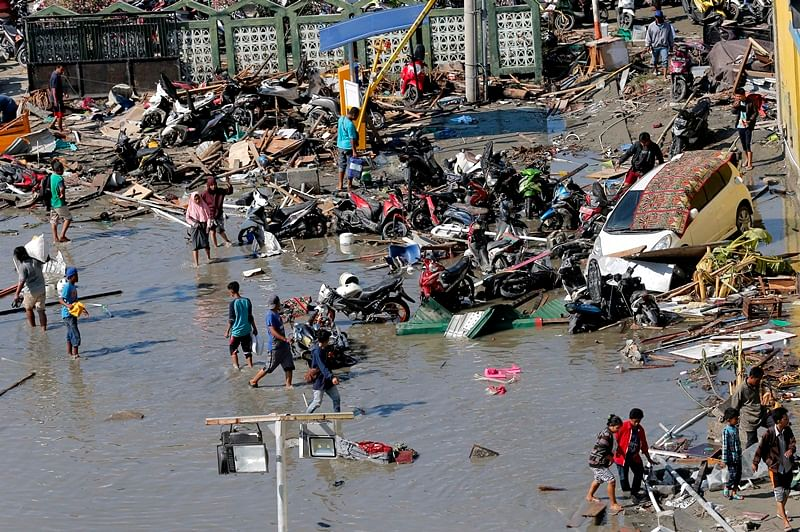 832 people killed after 7.4 magnitude earthquake triggers tsunami in Indonesia