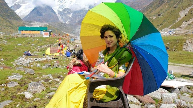 Kedarnath: Director Abhishek Kapoor shares BTS photo of Sara Ali Khan from the sets of movie