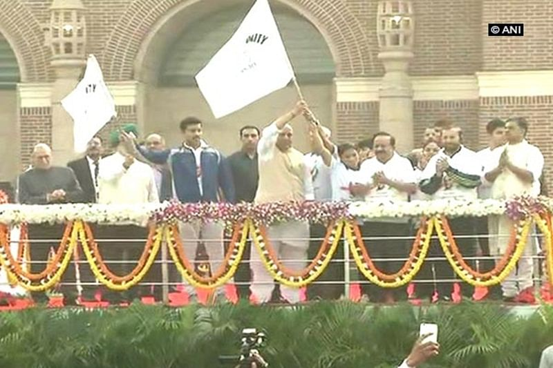Delhi: Home Minister Rajnath Singh, Rajyavardhan Rathore flag off 'Run for Unity'