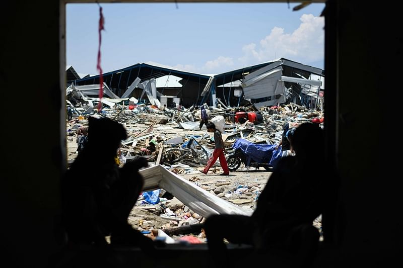 Indonesia tsunami: Time running out for survivors as death toll nears 1,400; UN warns of 'vast' unmet needs