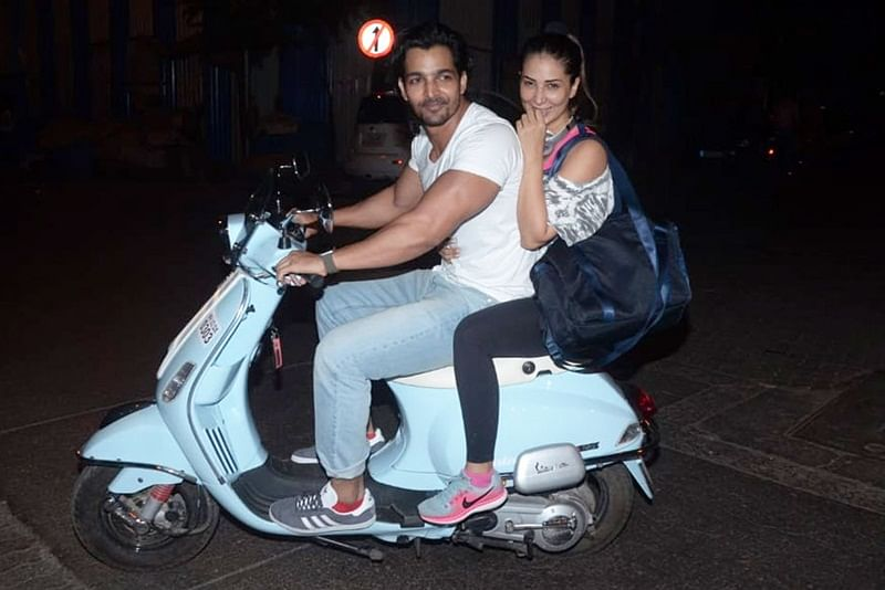 Harshvardhan Rane and Kim Sharma's romantic outing on a Scooty is too cute for words