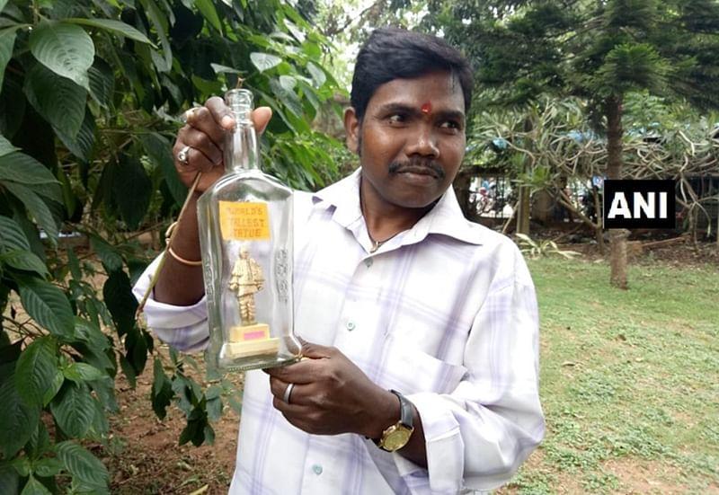 Odisha: Artist L Eswar Rao creates Sardar Vallabhbhai Patel's miniature using soap