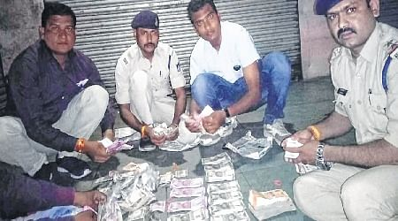 Indore: Three in police NET Rs 22 Lakh, 4 kg silver haul