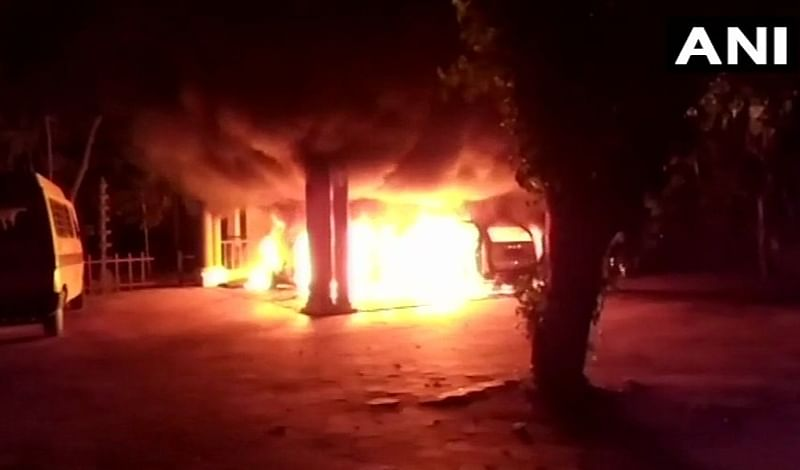 Ashram of Swami Sandeepananda Giri, who supported Sabarimala verdict, attacked; cars and scooter torched