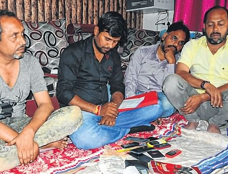 Crime branch arrests 4 bookies with Rs. 5 lakh