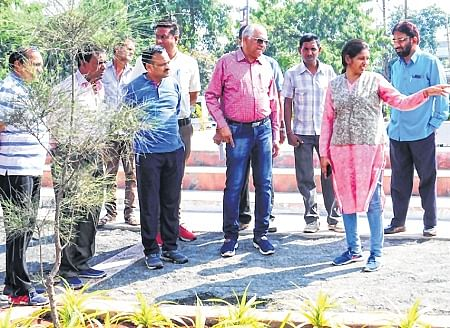 Municipal commissioner reviews ongoing projects