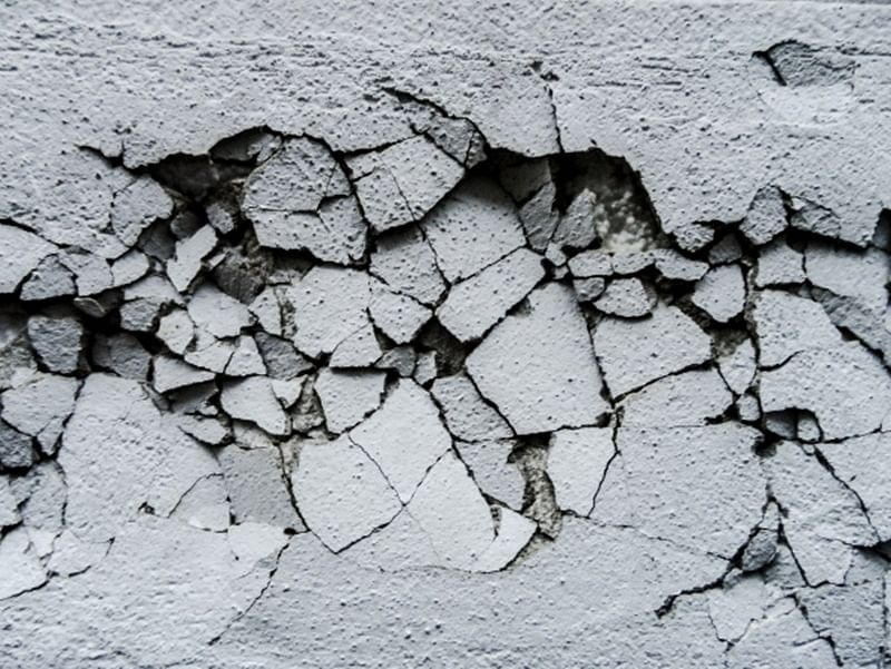 Thane: Nearly 300 people evacuated after cracks in building