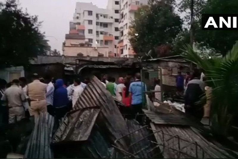 Pune: 2 killed as massive fire breaks out in slum