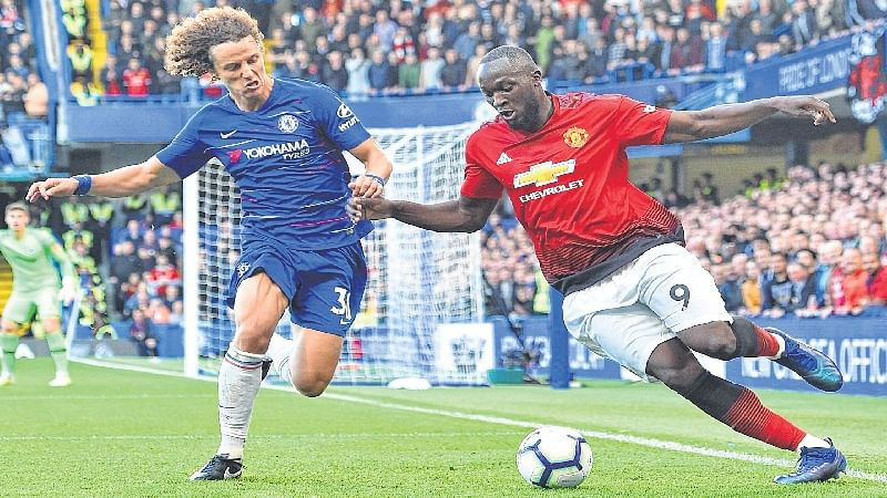 English Premier League: Manchester City turn on style as last-gasp Chelsea deny Manchester United