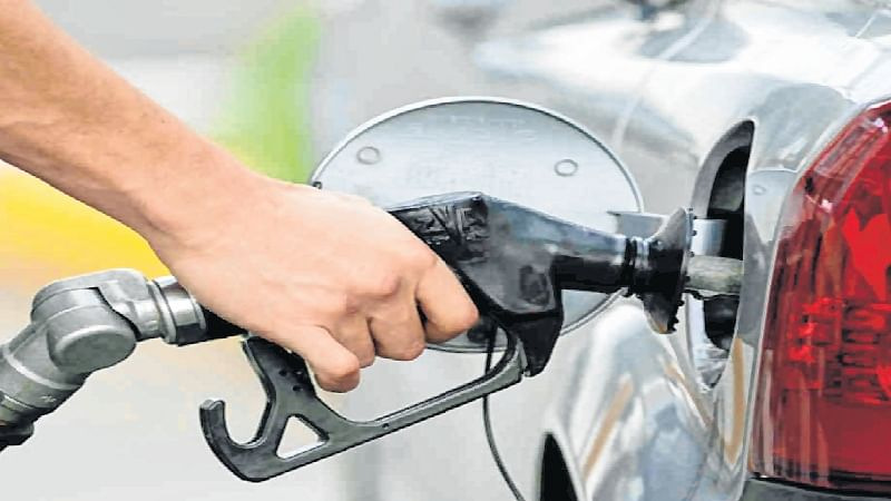 BJP asks states ruled by opposition parties to reduce oil prices