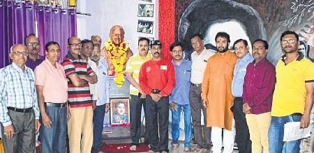Ujjain: Kishore Kumar remembered on death anniversary