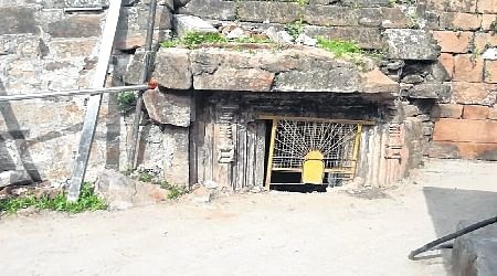 Bhopal: Remains of 1000-year-old temples discovered in Omkareshwar