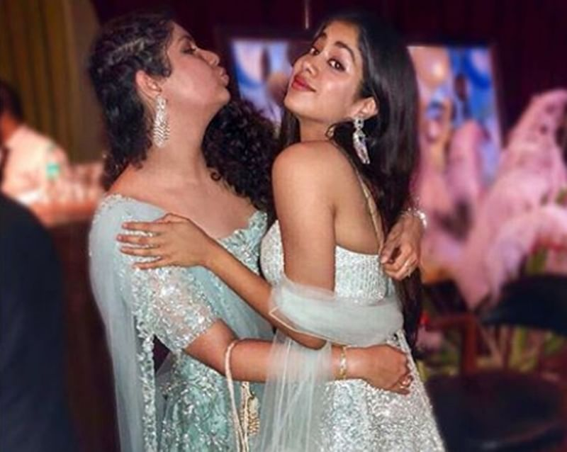 In Pictures: Jhanvi and Anhsula Kapoor's 'Sisterly love' will blow away your Monday blues