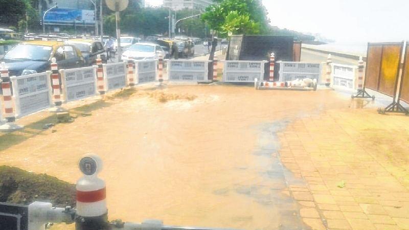 Mumbai: Water pipeline bursts at Marine Drive, yet again