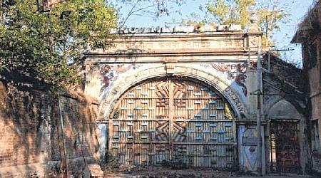 Ujjain: Labourers oppose land attachment of 2 mills