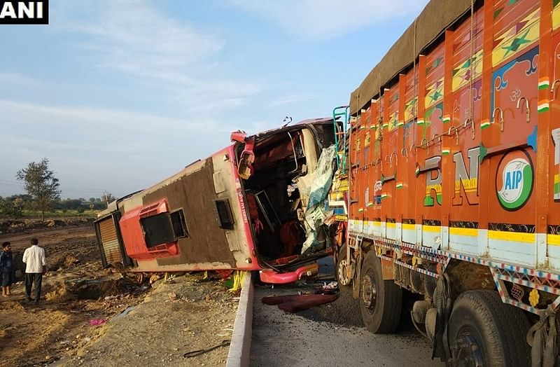 Karnataka: 6 killed, over 10 injured after bus collides with lorry near Hubli