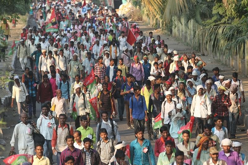 Mumbai: Thousands of farmers, tribals protest march reaches Chunabhatti