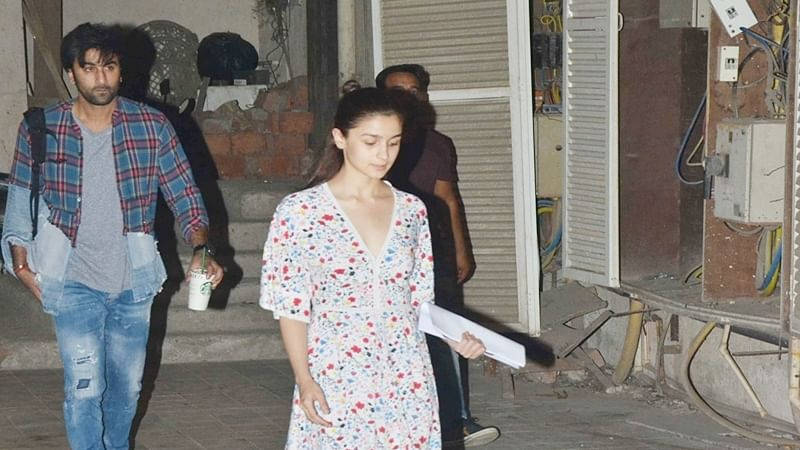 Lovebirds Ranbir Kapoor and Alia Bhatt dance the night away for 'Brahmastra'; see pics