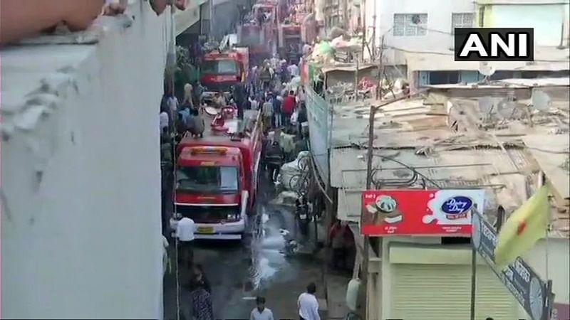 Pune: Fire breaks out in slum area, fire tenders rushed to spot