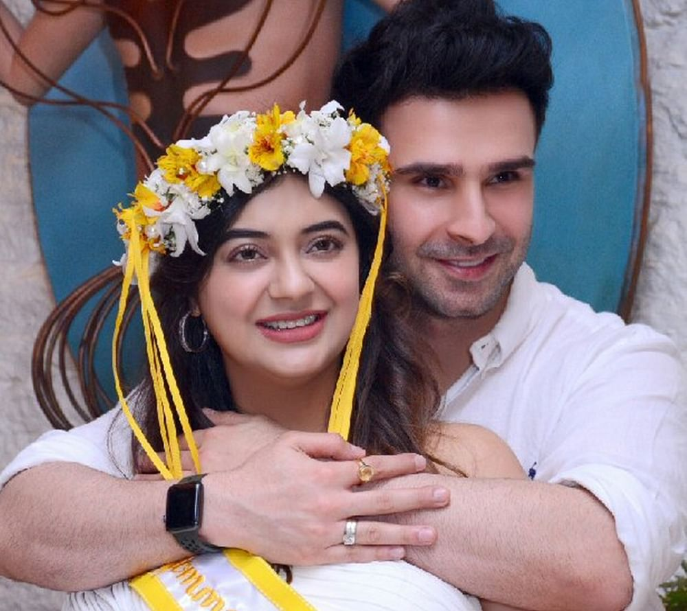 'Ramaiya Vastavaiya' fame actor Girish Kumar hosts baby shower for wife Krsna