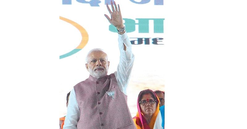 After usual jibe, PM impresses Indore with Metro ride!