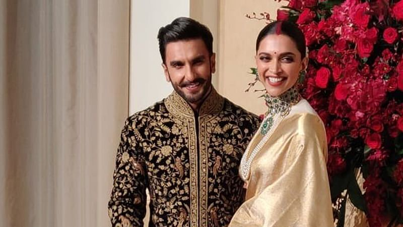 WATCH! Ranveer helps Deepika with her saree, then blows a kiss at their Bengaluru reception