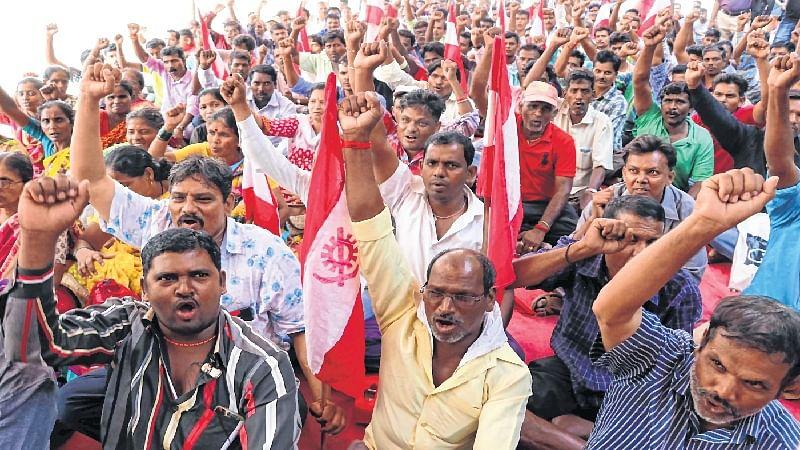 Mumbai: Garbage loaders in Western region call off strike
