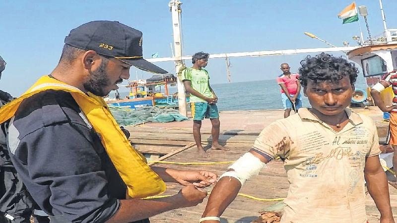 Mumbai: 6 fishermen rescued, 1 missing as boat capsizes off Vasai